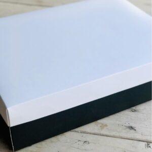 caja blanca negra